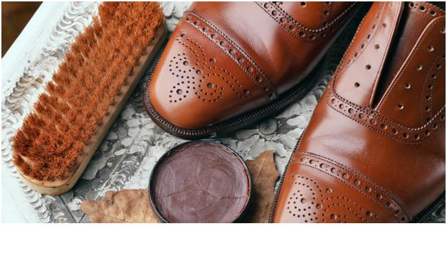 واکس زدن کفش چرم - خرید انواع لباس مردانه پیرکاردین فرانسه