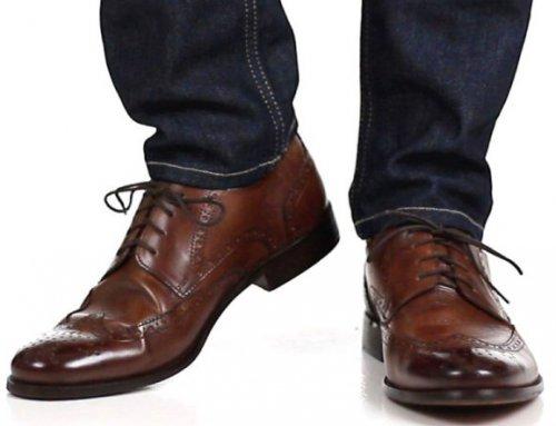چگونه با شلوار جین مردانه کفش مناسب بپوشیم